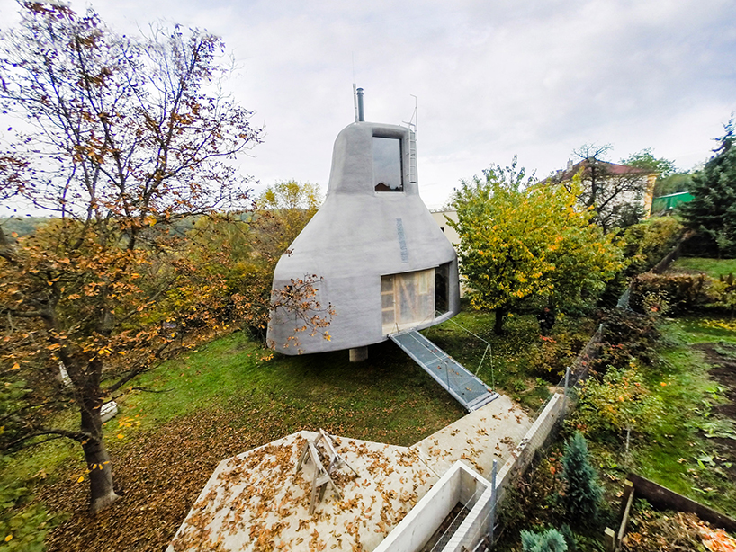 house-in-the-orchard-sepka-architekti-prague-czech-republic_dezeen_2364_col_28