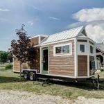 微型住宅拖車小屋有客廳客房