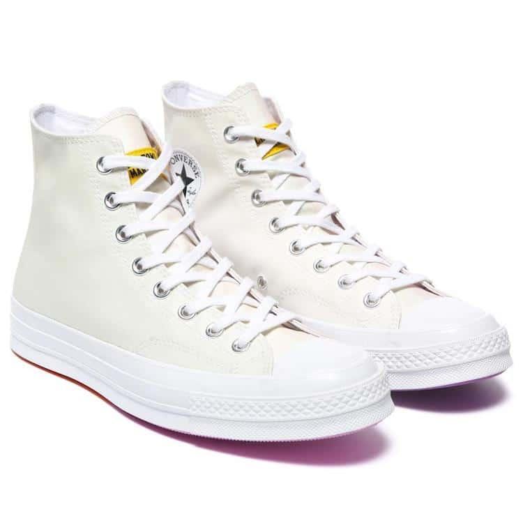 經典帆布鞋品牌Converse與現代新潮品牌Chinatown Market,藝術家 Joshua Vides合作推推出經典鞋款Chuck Taylors All Stars。在陽光下會變成彩虹。