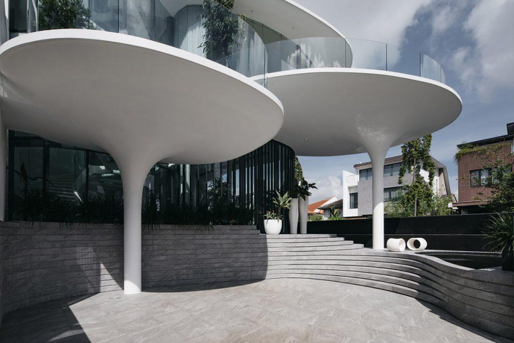 新加坡建築團隊EHKA Studio,獨棟別墅,曲弧建築,有機建築,混凝土,清玻璃,波浪造型建築,